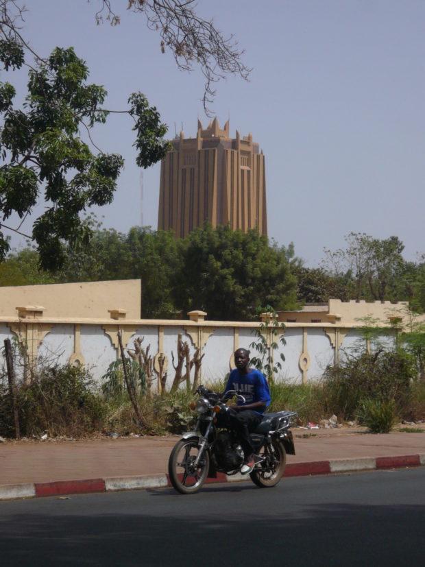 Bamako, Mali: Tower of the BCEAO office. (c) Christian v. Hiller